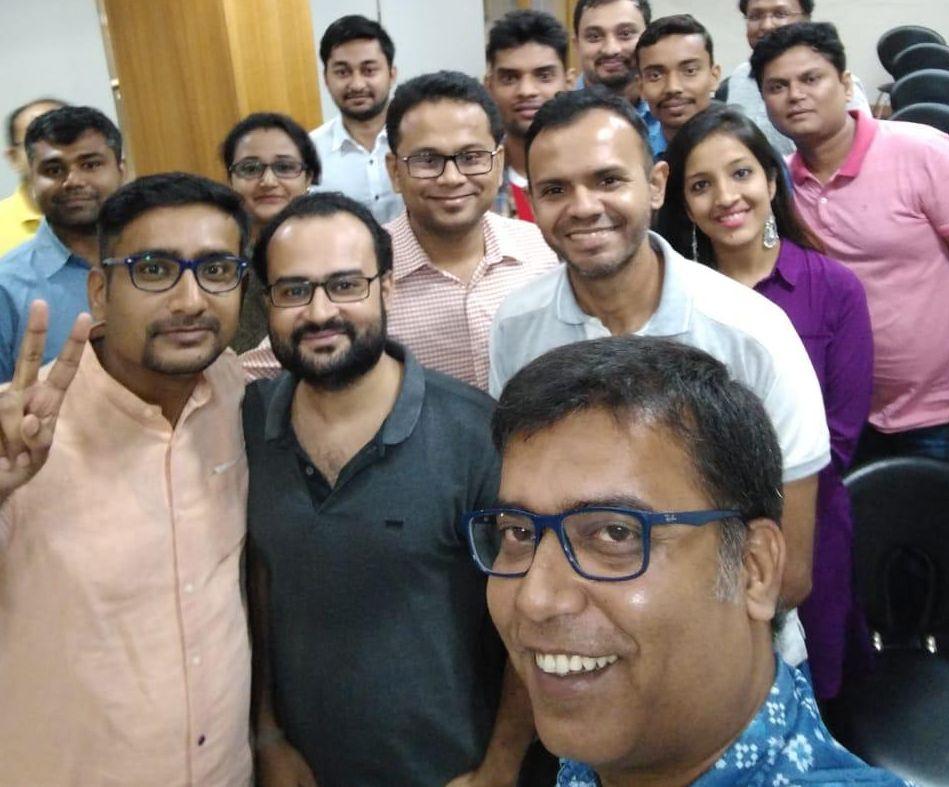 Mogis-Ahmed-Group-photos-Startup-marketing-mogisa